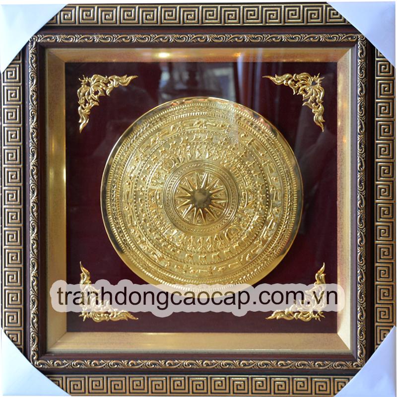 tranh mặt trống đồng mạ vàng
