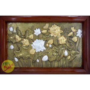 tranh đồng hoa sen mạ vàng