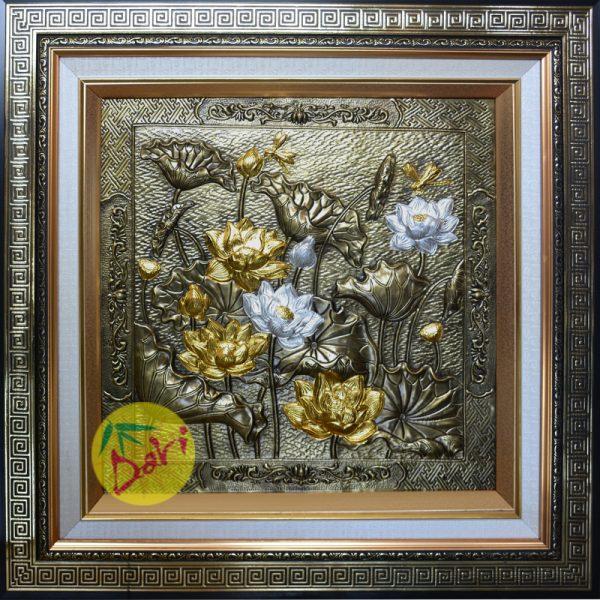 Tranh hoa sen dát vàng bạc khổ vuông