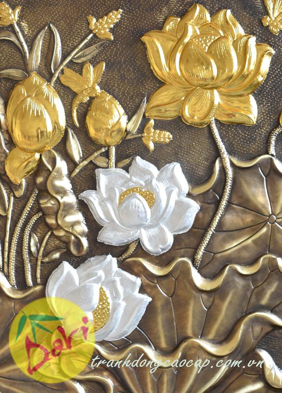 chi tiết hoa sen dát vàng bạc